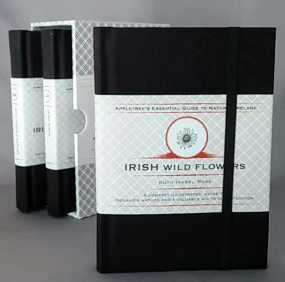 Essential Guides to Natural Ireland (Box Set) 9781847581532